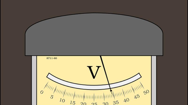 Le voltmètre et la mesure de la tension